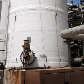 Liquid Storage Tank with Inspector